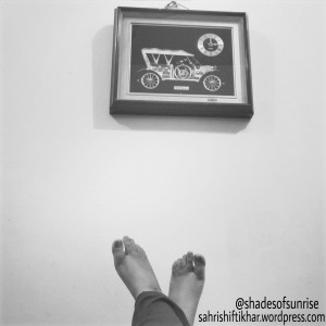 Clock,  vintage car, feet