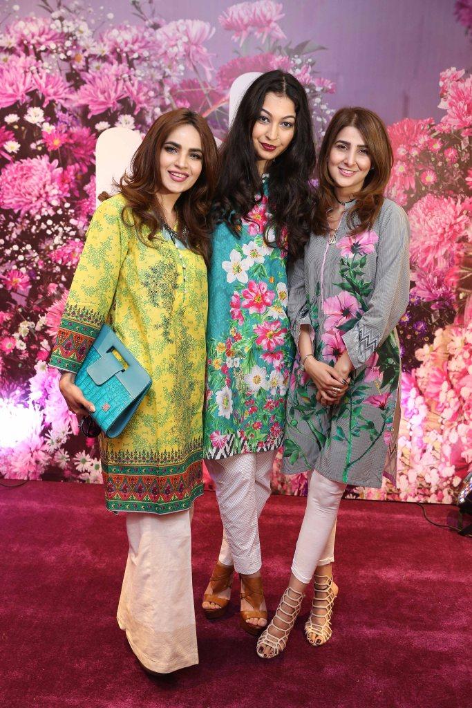 Humaira Asghar, Rubya Chaudhry and Areeba Habib